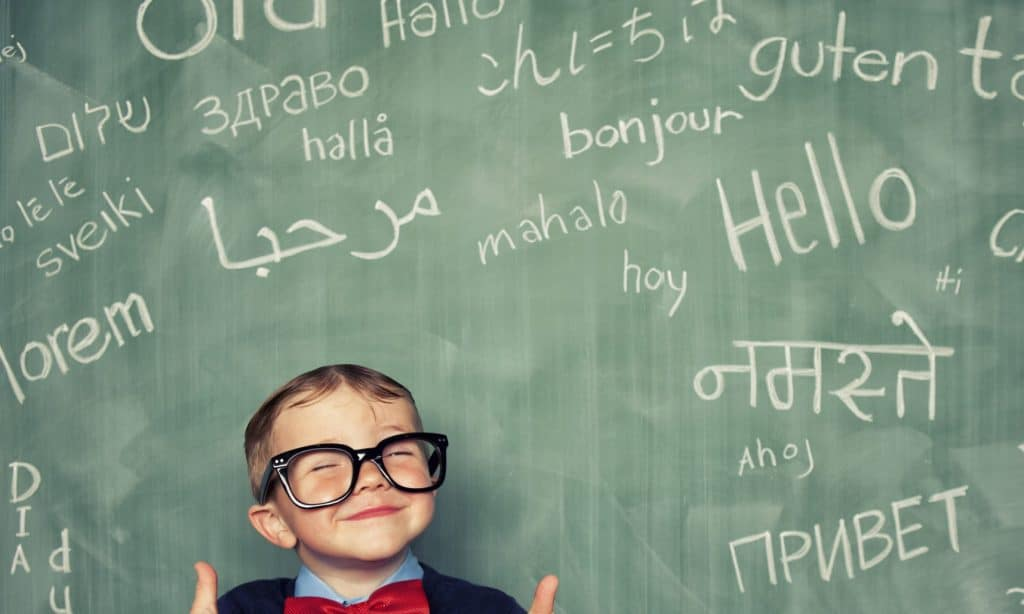 ENFANT APPRENDRE LANGUE ETRANGERE KID LEARN FOREIGN LANGUAGE EARLY